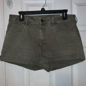 High rise shorts Army green